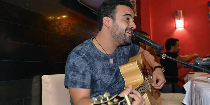 ناصر ميكري يطلق ألبومه الرابع